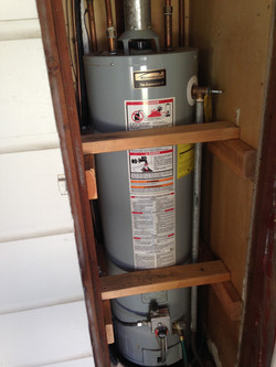 Water Heater with enclosure   SJPI
