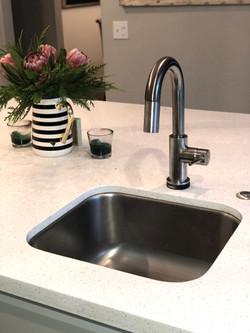Island Kitchen Faucet | SJPI