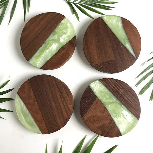 GREEN RESIN AND ACACIA WOOD COASTERS