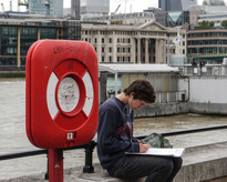 Student sketching by River Thames 2016