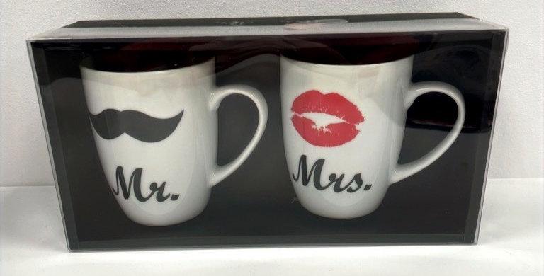 Mr. + Mrs. Tassen-Set