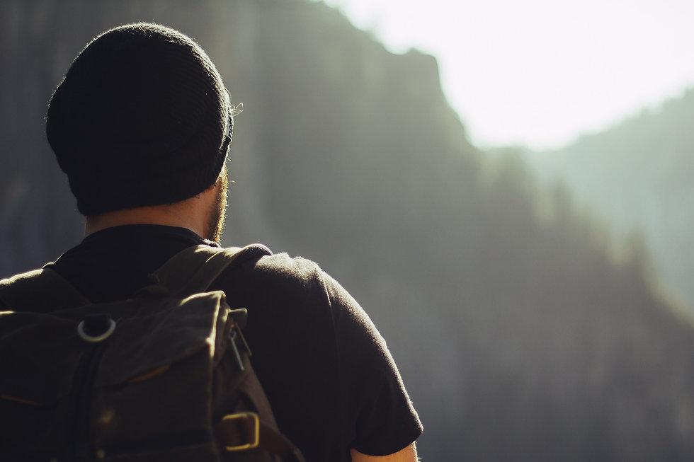 hiking-1031383_1920.jpg