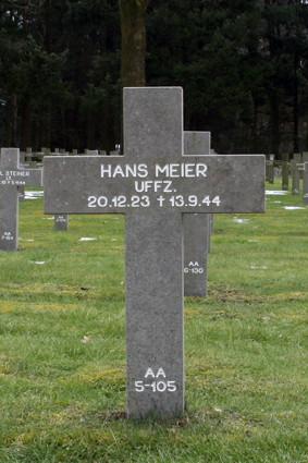 AA 5-105 Hans Meier.jpg
