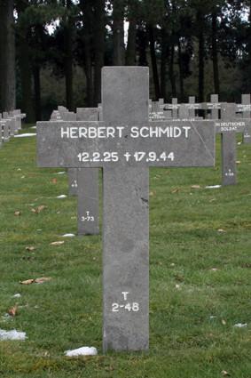 T 2-48 Herbert Schmidt.jpg