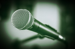 microphone-1505182_960_720_edited