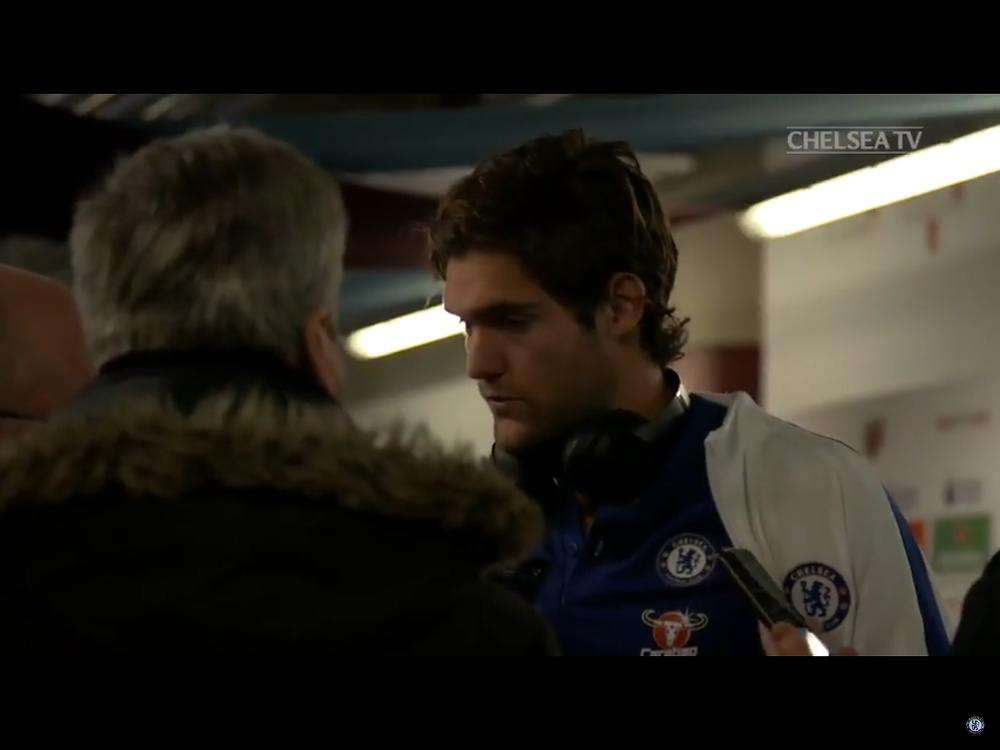 Marcos Alonso talks to Paul Lgan. photo: Chelsea TV