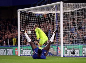 Rudiger and Willian nudge Chelsea to League Cup win over Everton