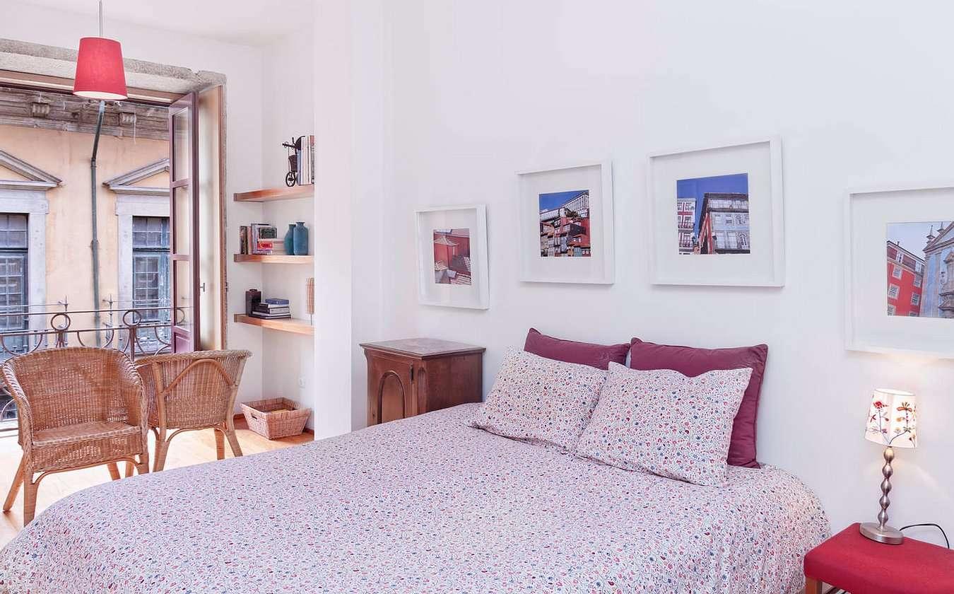 Romantic Apartment at Center of Port