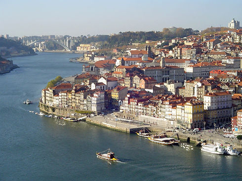 Best cheap apartments at Porto Center