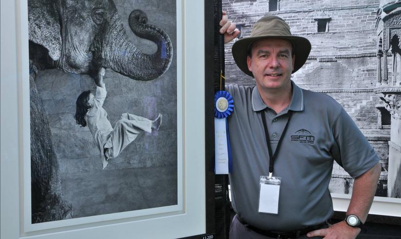 FAITP Web pics Artist with his photo of