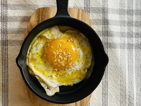 Annie's Easy and Delicious Hollandaise Sauce