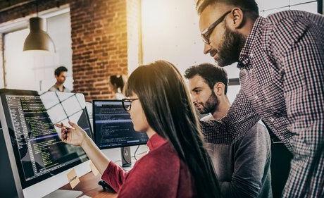 3+people+looking+at+computer.jpg