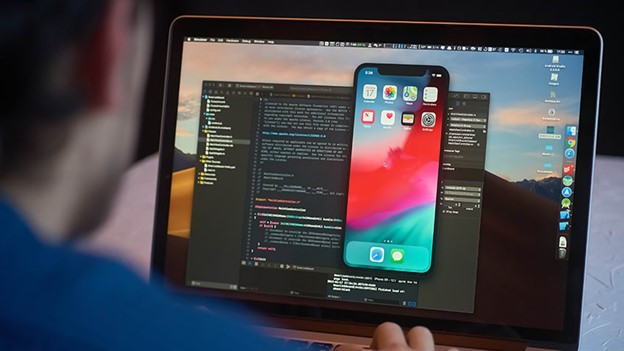 What are the requirements for becoming an iOS developer?