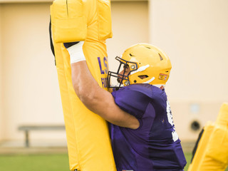 """#StraightFromTheBush """"He lived in their backfield""""   Breiden Fehoko bringing an element of athletici"""