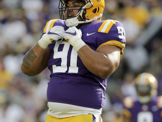 #StraightFromTheBush How will moving 'super athletic' Breiden Fehoko to nose tackle work for