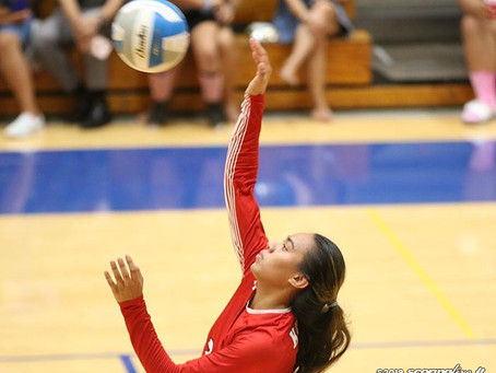 Red Raiders ease by Cougars in straight sets