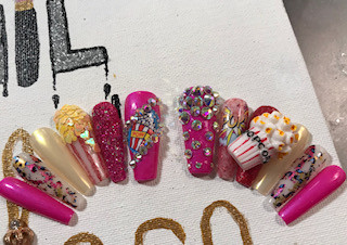 FREESTYLE PRESS ON NAILS