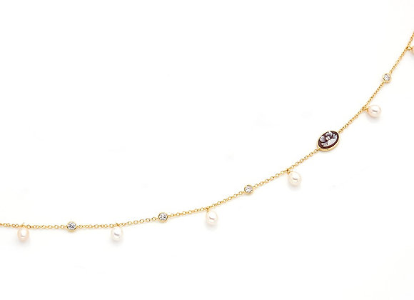 Amalfi Cameo and Fesh Water Pearls Necklace