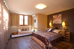 LUNA Room