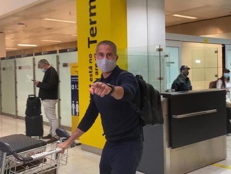 Sylvinho, novo técnico do Corinthians já está em São Paulo