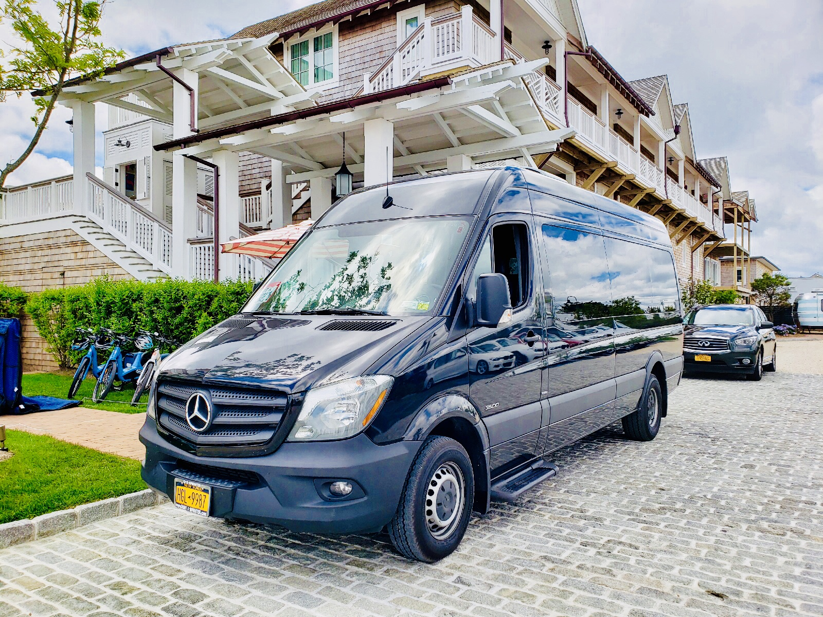 Sprinter Van Hamptons service image
