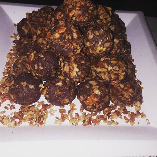 Dark #chocolate #cheesecake #truffles with pecans