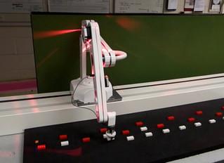 Pista lineal para desplazamiento de robots colaborativos