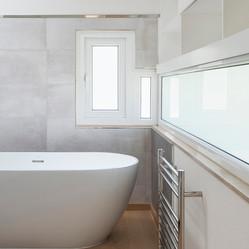 Bathroom_2_©_alex_attard_ALX85912.jpg