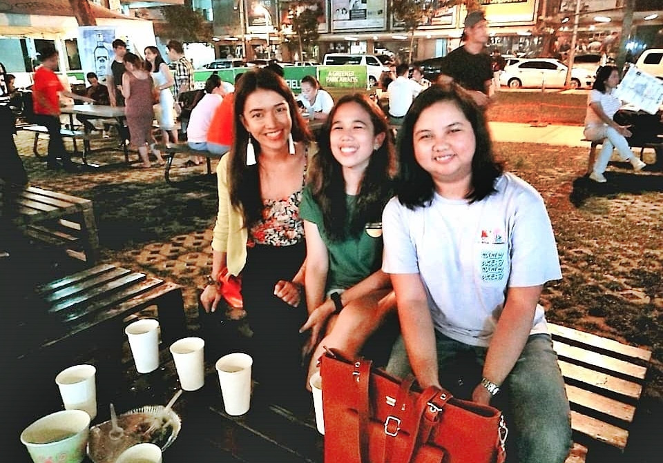 Three girls enjoying a night out in Greenfield District- Mandaluyong | A Lifestyle Blog by Andi | Philippines