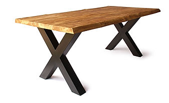 Modern and minimaliste wooden dining table