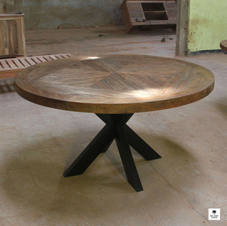 roundtable-table-industrialfurniture-bal