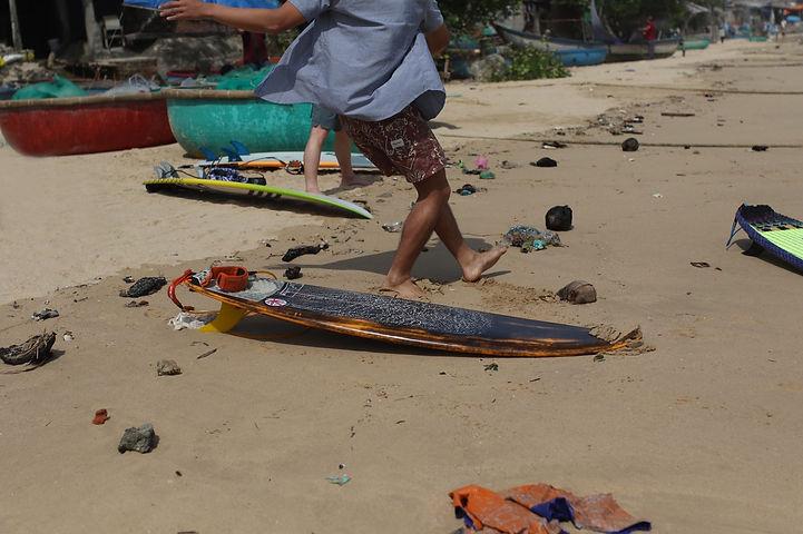 sl_surfing_school.jpg