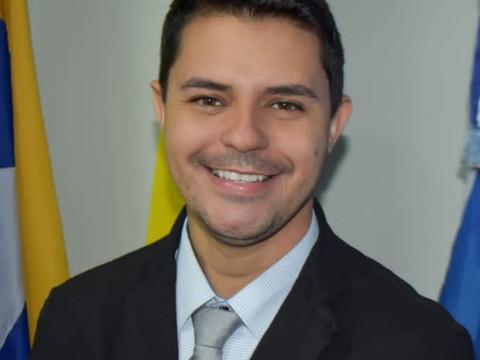 O VEREADOR JULIANO BARBOSA É VOLUNTÁRIO JUNTO AOS DOUTORES DE ESPERANÇA PARA ARRECADAR ALIMENTOS