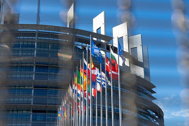 europe-palace-5414751_1920.jpg