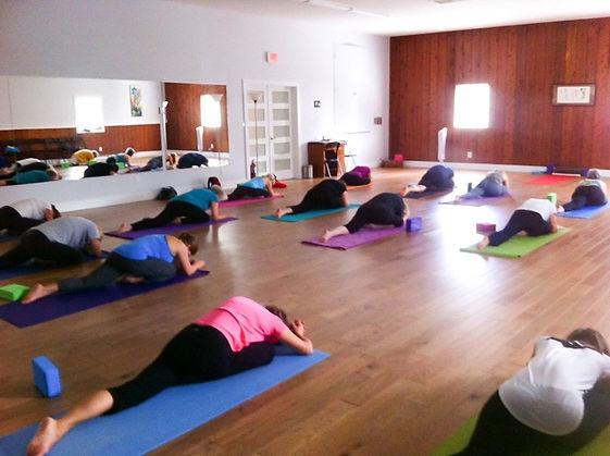 yoga-class-TESTIMONIALS-page-website.jpg