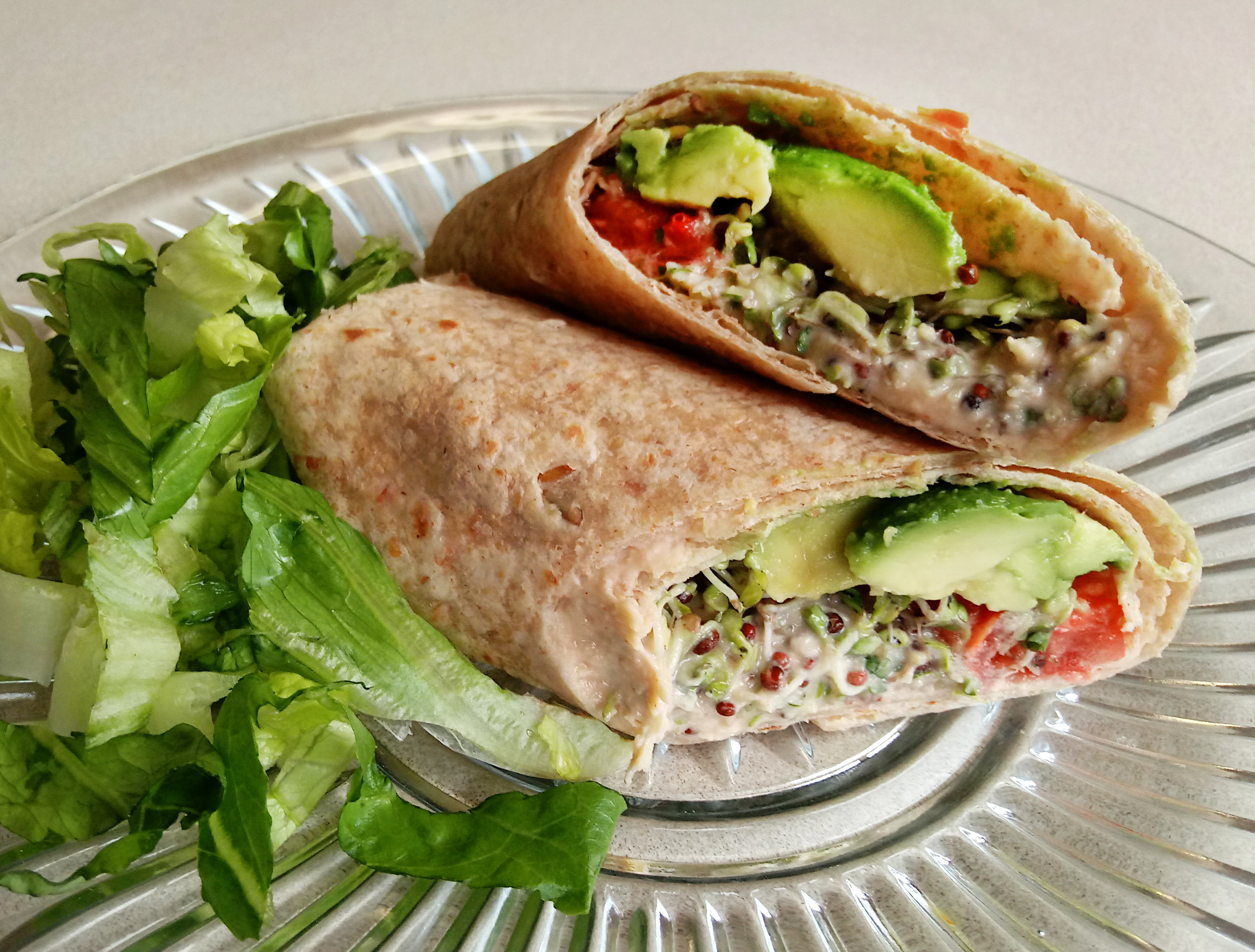 hummus avocado wrap