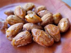 garlic maple almonds