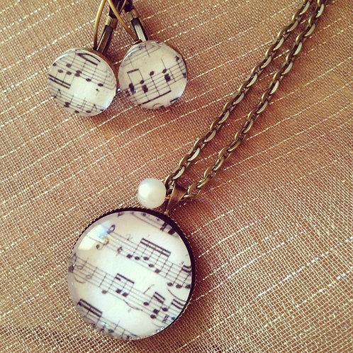 Collier pendentif sur Chaîne ras de cou Do Ré Mi