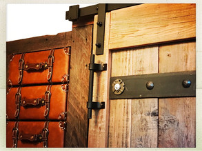 Unique closet barndoor