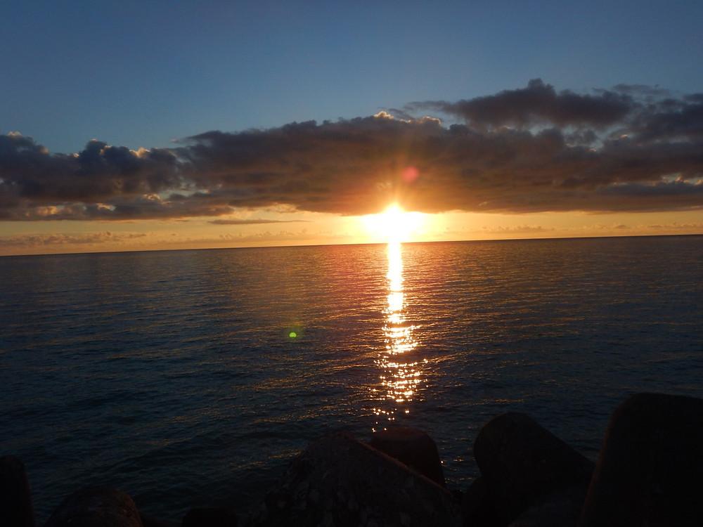 鳩間島からの夕陽