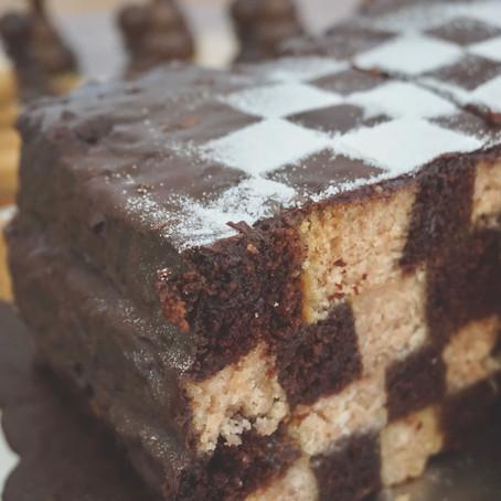 Fluffiger Schachbrett Kuchen