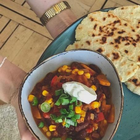 Chili sin Carne mit Naan
