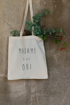 "Tote bag ""Madame a dit oui"""