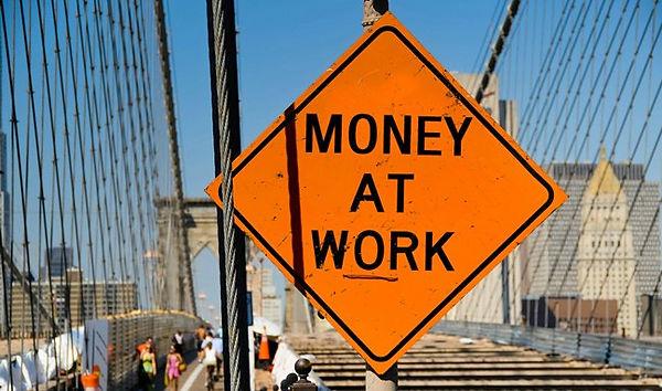 money-at-work-sign.jpg