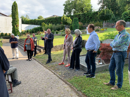 """Start der Projektes """"Friedhofneugestaltung"""" - Übergabe der Förderurkunde an unser schönes Dorf"""