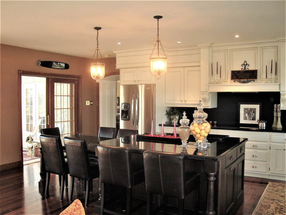 Copy_of_Faus_Kitchen_011.jpg