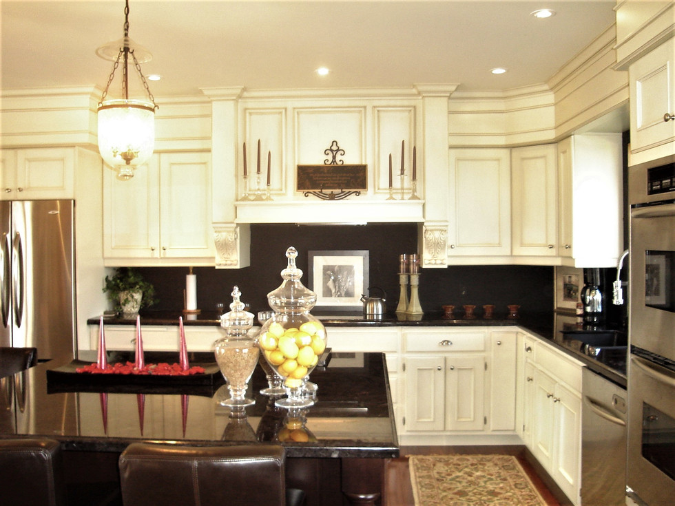 Copy_of_Faus_Kitchen_012.jpg