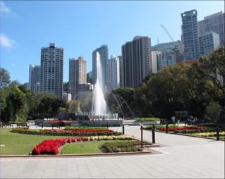 Pourquoi la fontaine des jardins botaniques de Hong Kong ressemble à un monument funéraire?