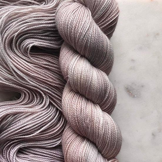 SARA-JEANNE / Ash Lilac