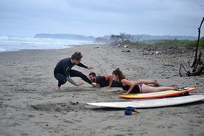 Surf classes ayampe ecuador